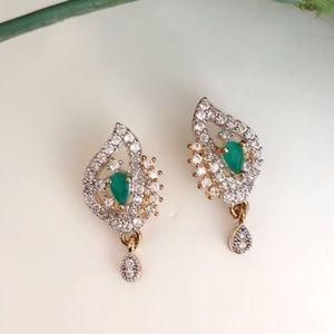 Jewelry - A74 Gold Pleated Zircon Earrings